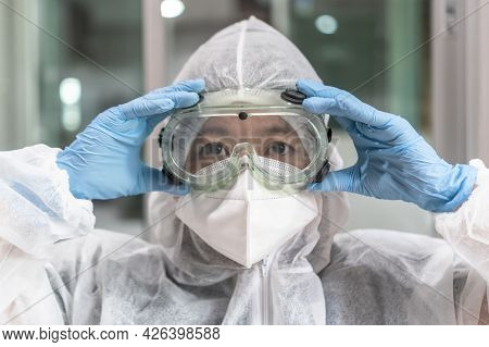 Lab Goggle, Eye Protection, Ppe Cover And Surgical Glove For Medical Doctor, Research Scientist, Sur