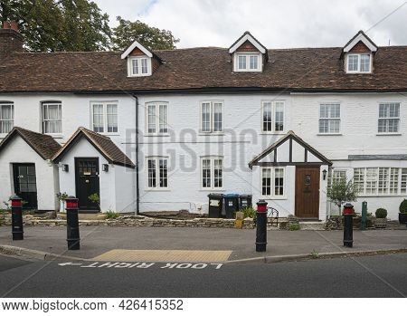Godstone, |surrey, Uk August 2020 - English Cottages In The Village Of Godstone, Surrey, Uk