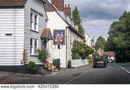 Westerham, Kent, Uk August 2020 - General Wolfe Public House In The Village Of Westerham, Kent, Uk