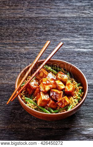 Sweet And Spicy Asian Noodle Green Bean Bowl With Hoisin Baked Crunchy Tofu,vertical View From Above