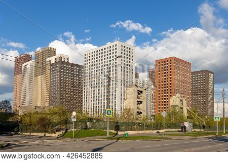 A New Complex Of High-rise Residential Buildings On The Site Of Demolished Old Buildings. Dense Urba