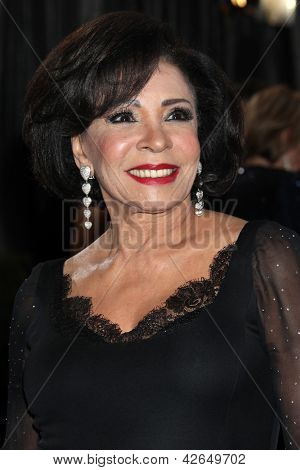 LOS ANGELES - FEB 24:  Shirley Bassey arrives at the 85th Academy Awards presenting the Oscars at the Dolby Theater on February 24, 2013 in Los Angeles, CA
