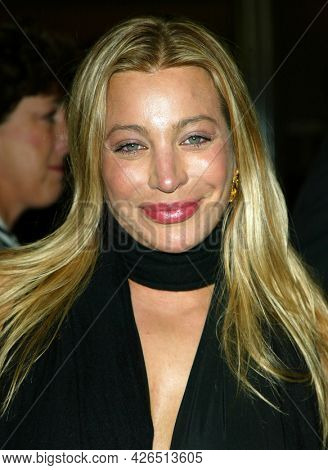 LOS ANGELES - NOV 02: Taylor Dayne arrives to  the 'Die Another Day' Hollywood Premiere on November 02, 2002 in Los Angeles, CA