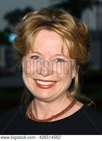 LOS ANGELES - JUL 18: Debra Jo Rupp arrives to  the 2003 TCA Summer Press Tour - FOX Party on July 18, 2003 in West Hollywood, CA