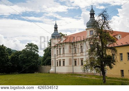 Krasne Brezno, Bohemia, Czech Republic, 26 June 2021:  Baroque Castle With Towers And Green Lawn, Na