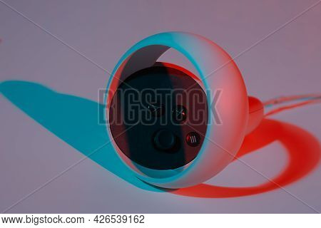Virtual Reality Controllers For Online And Cloud Gaming On White Background In Neon Light. Vr, Futur
