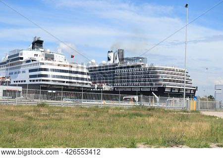 Ijmuiden, The Netherlands - July 8th 2021: Oosterdam And Vasco Da Gama At Terminal At The End Of Cov