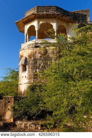 Detail Of Upper Part Of Taragarh Fort In Bundi Town, Typical Medieval Fortress In Rajasthan, India