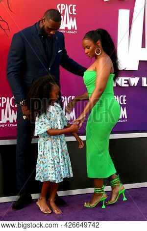 LOS ANGELES - JUL 12:  LeBron James, Zhuri James and Savannah Brinson James at the Space Jam:  A New Legacy Premiere at the Microsoft Theater on July 12, 2021 in Los Angeles, CA