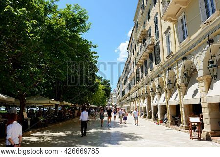 Kerkyra, Greees - May 14: The Tourists Are In Cafes In Liston On May 17, 2016 In Kerkyra, Greece. Up