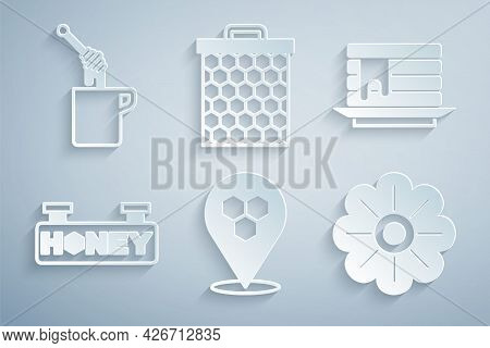 Set Honeycomb Bee Location, Stack Of Pancakes, Hanging Sign With Honeycomb, Flower, And Dipper Stick
