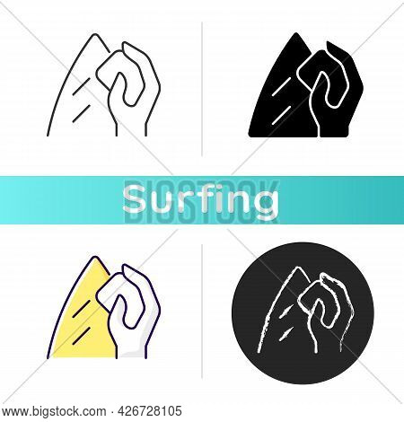 Surfboard Wax Icon. Surfwax For Applying To Board Deck. Providing Grip And Traction For Feet. Preven