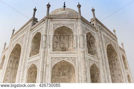 Symmetric Corner Of The Taj Mahal Monument In Agra, India