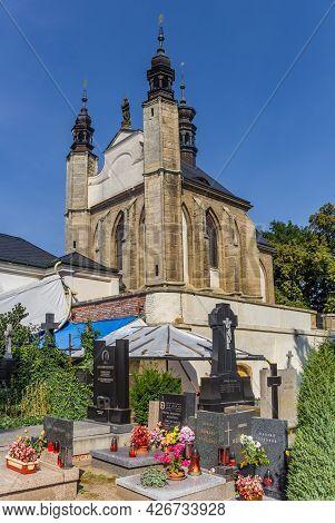 Kutna Hora, Czech Republic - September 14, 2020: Cemetery And Chapel Of The Sedlec Ossuary In Kutna