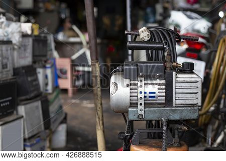 Vacuum Pumps For Air Conditioning Installation And Cooling System Installation,vacuum Pump Used For
