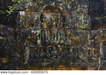 The Engraved Pattern Around Angkor Wat Belongs To The Khmer Empire. Located In The Center Of Angkor