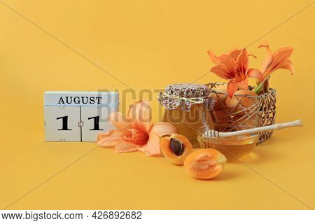 Calendar For August 11 : The Name Of The Month Of August In English, Cubes With The Number 11, Honey