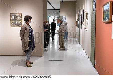 Moscow, Russia - May 23, 2021: Visitors In Museum Of Russian Impressionism In Moscow City. The Museu