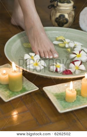 Relaxing Aromatherapy Spa For Feet 2
