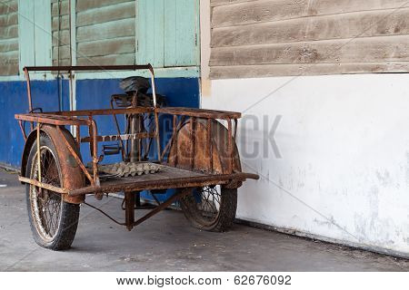 Abandoned cyclo