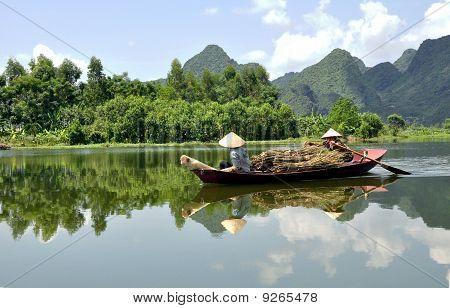 Vietnamese Boatwomen from Nanh Dinh