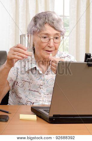 Taking Pill During displeasing Talking online