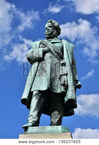 Bronze statue of Daniele Manin italian patriot and President of Venice Republic during 1848 revolt against Austrian Empire made by artist Borro in 1875