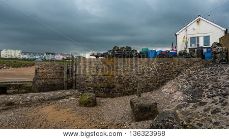 Bude Sea Lock is one of the only two working sea locks in Britain and was completely restored in October 2000 using green oak.