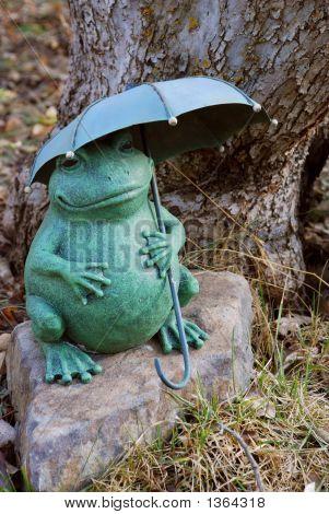 Frog Sculpture With Umbrella