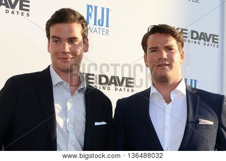 LOS ANGELES - JUN 29:  Dave Stangle, Mike Stangle at the Mike And Dave Need Wedding Dates Premiere at the Cinerama Dome at ArcLight Hollywood on June 29, 2016 in Los Angeles, CA