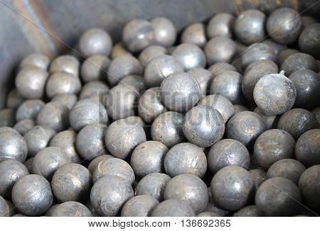 grinding balls for the mining processing industry