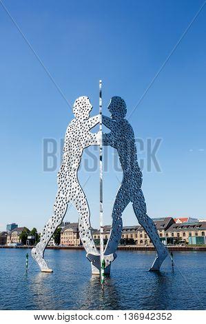 Molecule Man Sculpture On The Spree River