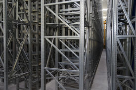 Automatic Shelves System In A Logistic Warehouse