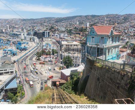 Valparaiso, Chile - January 2, 2018: Cityscape Of Valparaiso City From Artilleria Funicular, Chile.