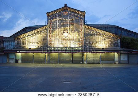 27 June 2013-turin-italy-entry Of The Covered Turin Market,italy