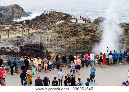 Kiama, Nsw, Australia-march 31, 2018: View Over The Lighthouse And Blowhole In Kiama, Known For Coas