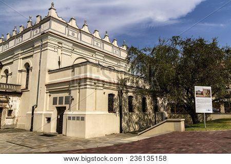 Zamosc,poland -april 14,2017: Zamosc - Renaissance City In Central Europe. Jewish Synagogue.