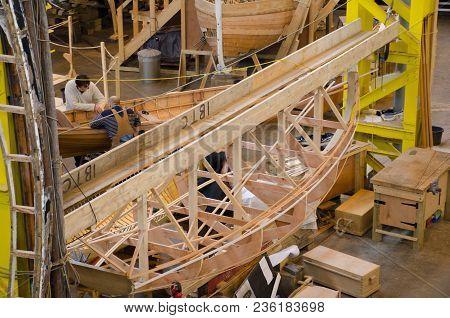 Portsmouth Uk 4 April 2018: Wooden Boat Being Built In Workshop