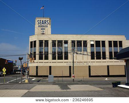 Hackensack, New Jersey - April14: Vintage Sears Roebuck Department Store On April 14, 2018 In Hacken