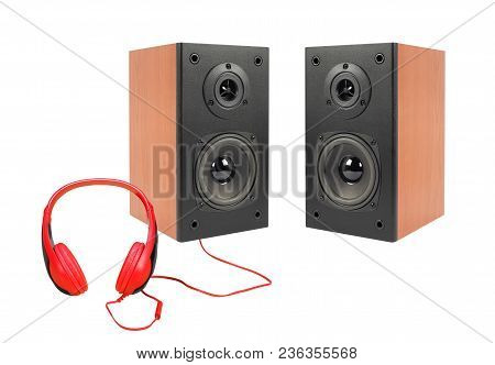 Music And Sound - Front View Line Array Loudspeaker Enclosure Cabinet And Red Headphone Isolated On