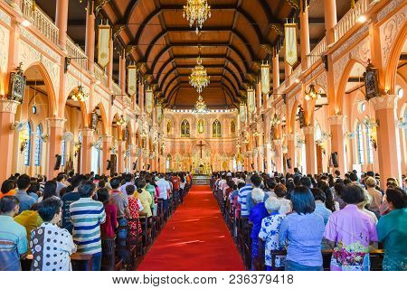 Chantaburi, Thailand - January 1, 2016: Group Of Pastors Doing Religion Ceremony  While Chistian Peo
