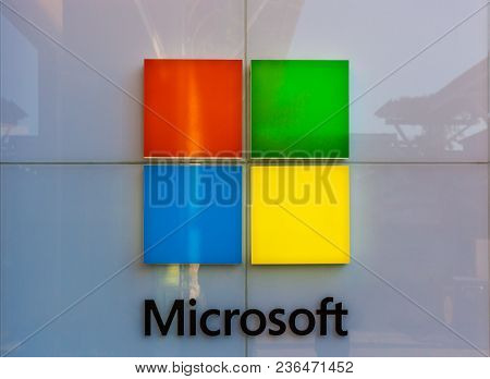 San Antonio, Texas - April 12, 2018 - The Microsoft Logo At The Entrance Of The Microsoft Store And