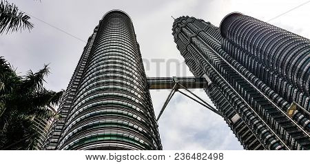 Kuala Lampur, Malaysia - November 2017. Petronas Twin Towers From Below, The Twin Towers Are An Icon