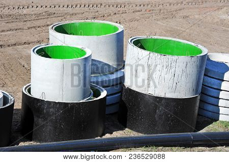 Concrete Circle Pit And Pvc Pipe