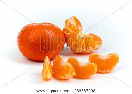 Ripe Orange Fresh Mandarin , Clean Mandarin, Mandarin Slices, Isolated On White Background