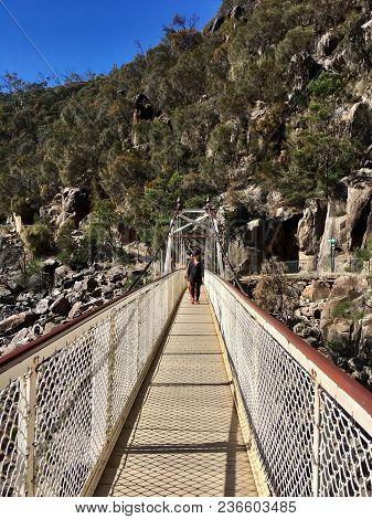 Launceston, Tasmania, Australia: March 31, 2018: Tourists Walk Over Alexandra Footbridge Over The Ca