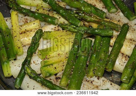 Aspargus Delicious Vegetable - At The End Of March The Season For Asparagus Beginns