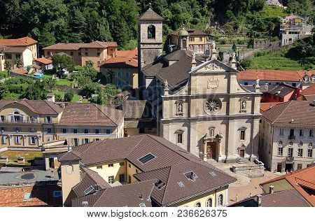 Collegiate Church Of Saints Peter And Stephen (chiesa Collegiata Dei Ss Pietro E Stefano) - Bellinzo
