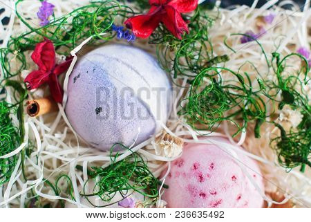 Bath Bombs Aromatherapy Alternative Medicine Aromatic Fragrant Colorful Hand Made Balls Decorated Dr