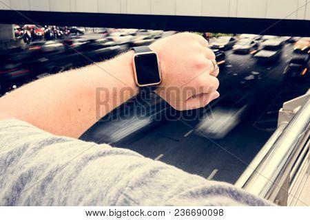 Digital wrist watch